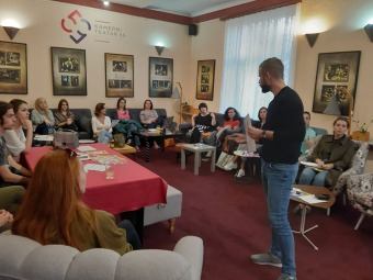 SOKRATOVI-KAFEI-Sokratov-kafe-Sarajevo-2019.-Kojeg-je-roda-Bog-Nikola-Vučić.